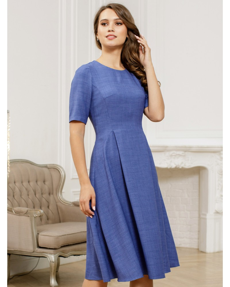 Платье с рельефами василькового цвета арт. 52594